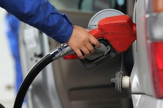 """国际油价高位震荡 成品油或迎""""五连涨"""""""
