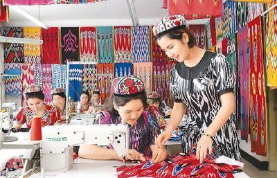 新疆拜城县利用扶贫项目资金补贴和无息贷款等惠民政策