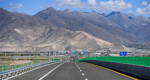 China's road, waterway investment falls in May