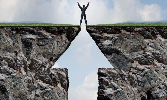 市场预热半年报行情 多家公司业绩预喜股价逆势上涨