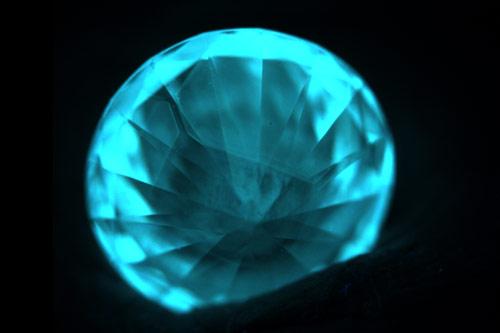 NGTC发现浅淡蓝色IIb型 HPHT合成钻石