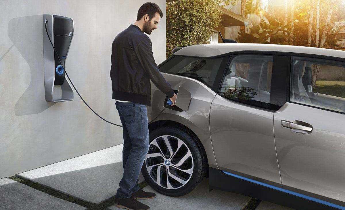 新型电解液改善电动汽车电池性能