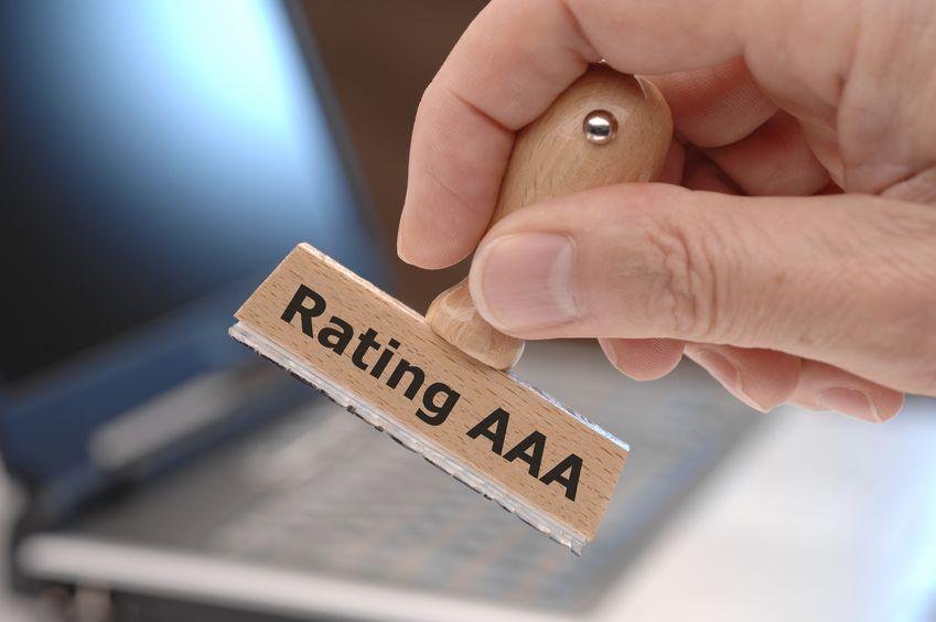 上半年20余家银行评级获上调 7月份3家农商行遭遇下调评级