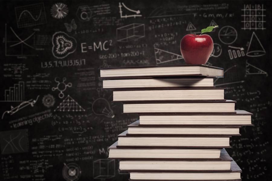 内地教育股受追捧 教育类企业争相赴港上市