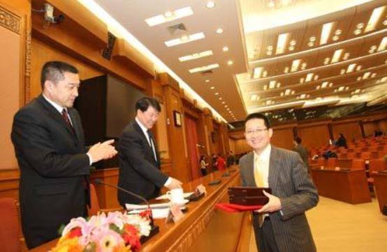 第十届《中国作家》鄂尔多斯文学奖评奖揭晓