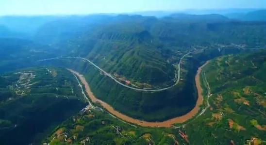 """17年后重走长江上游 那些山山水水变了——来自""""大江奔流""""一线的采访手记"""