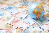 7月末我国外汇储备规模较上月末增加58亿美元至31179亿美元