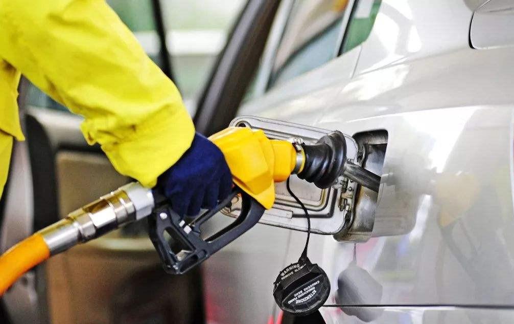 国内成品油价8月7日0点上调 加满一箱油多花3元