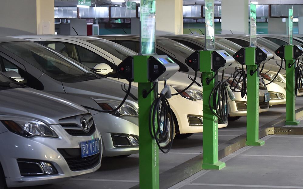 新能源汽车产销两旺 中国市场为全球车企带来商机