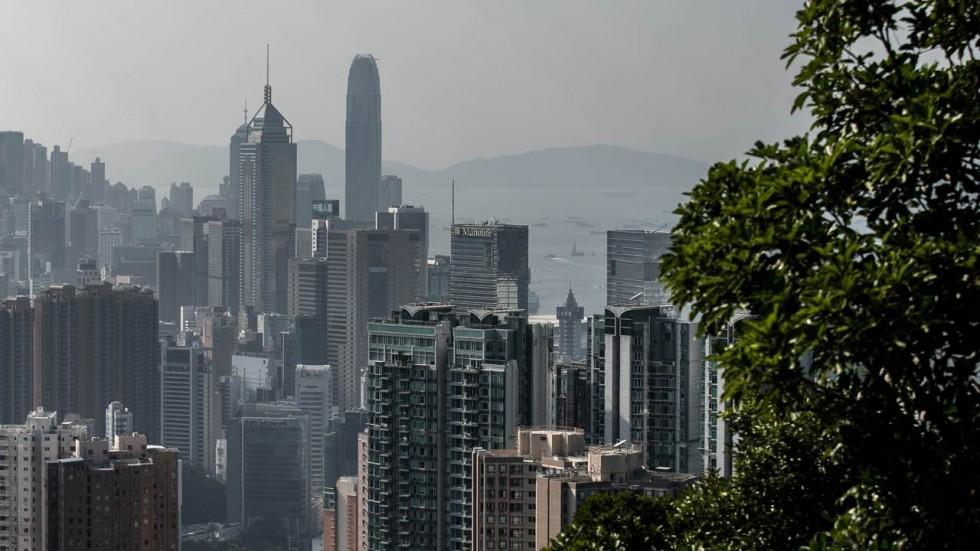 里昂证券下调香港地产股评级