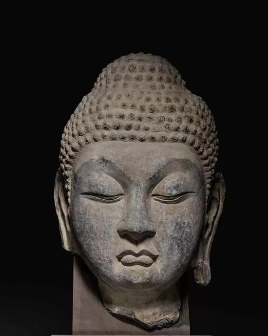 唐石灰石雕佛首像(200-300万)