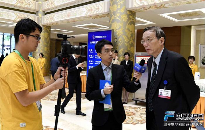 中国财富网记者采访全国政协经济委员会副主任刘世锦