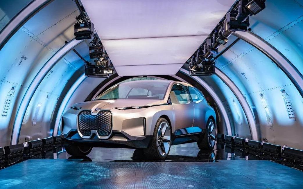 波音777运来的BMW Vision iNEXT这样定义汽车未来