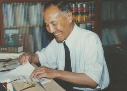 内蒙古纪念诗人巴·布林贝赫诞辰90周年