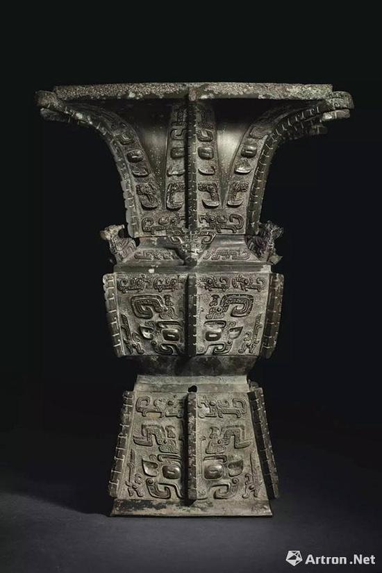商晚期 安阳 青铜饕餮纹方尊 3720.75万美元 佳士得纽约2015年3月