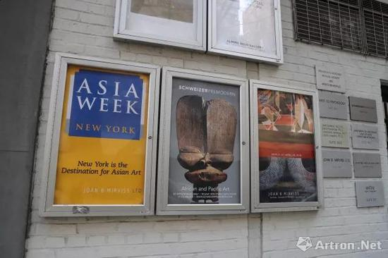 纽约亚洲艺术周时期随处可见的海报
