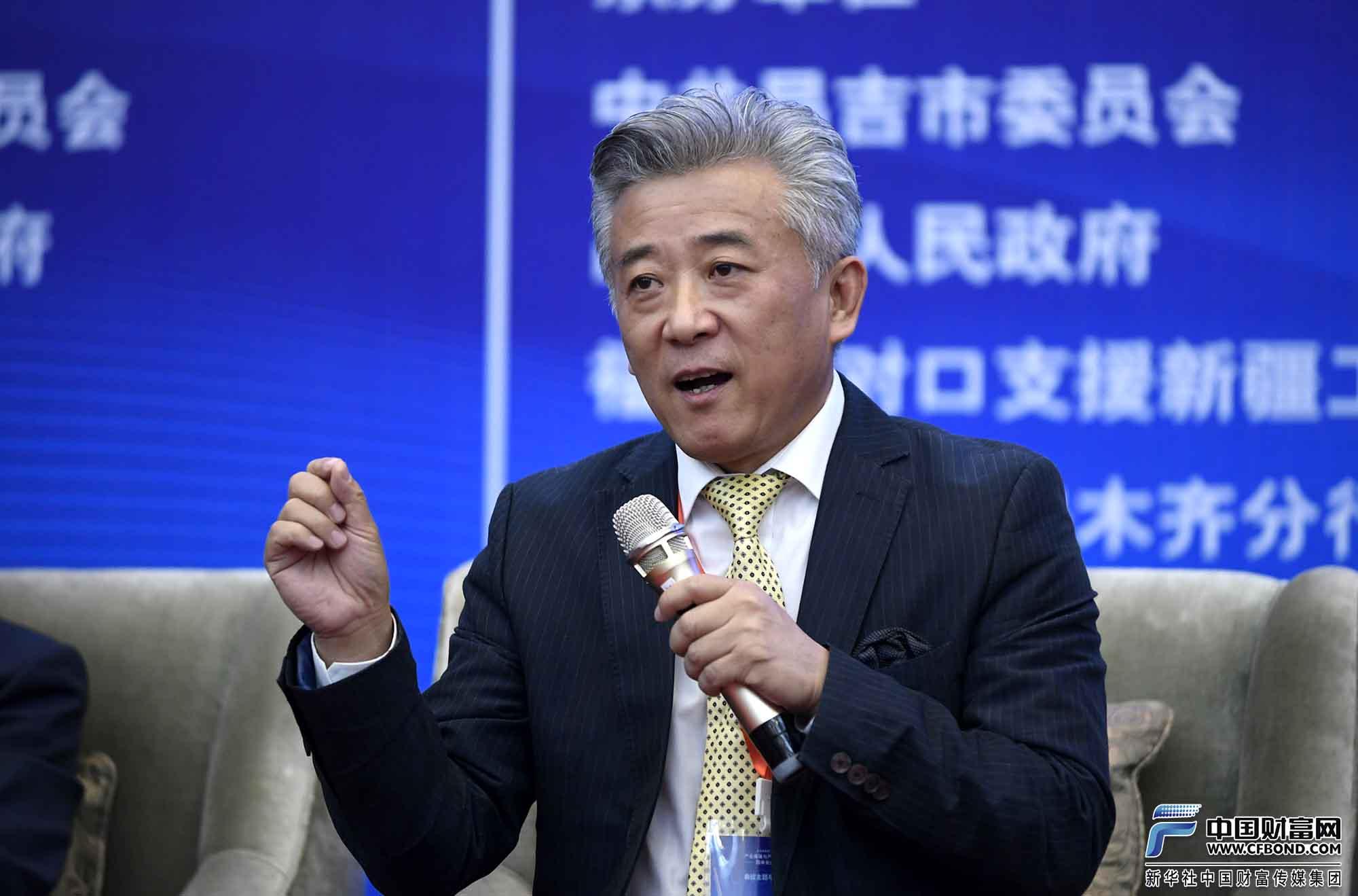香港凤凰卫视特约评论员宋新强发言