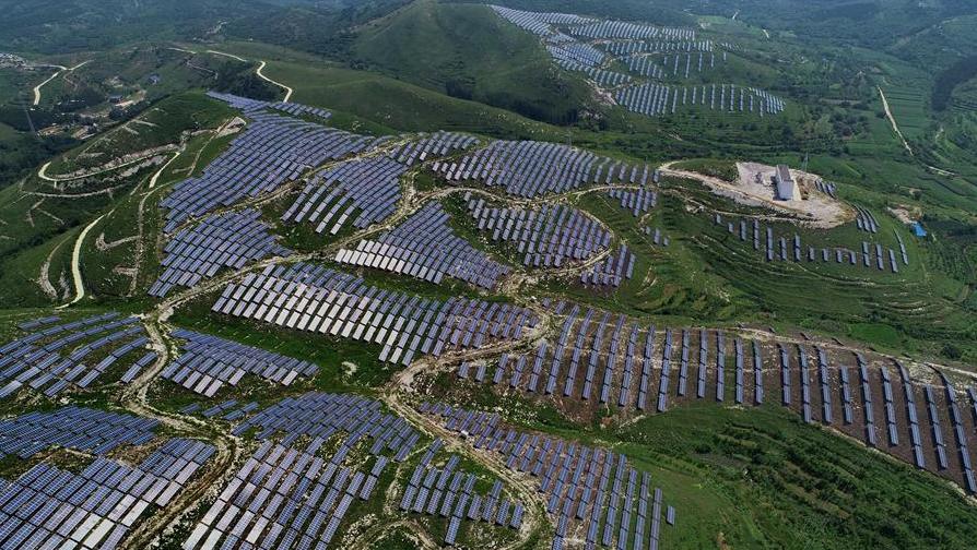 光伏发电场发电并网容量增长