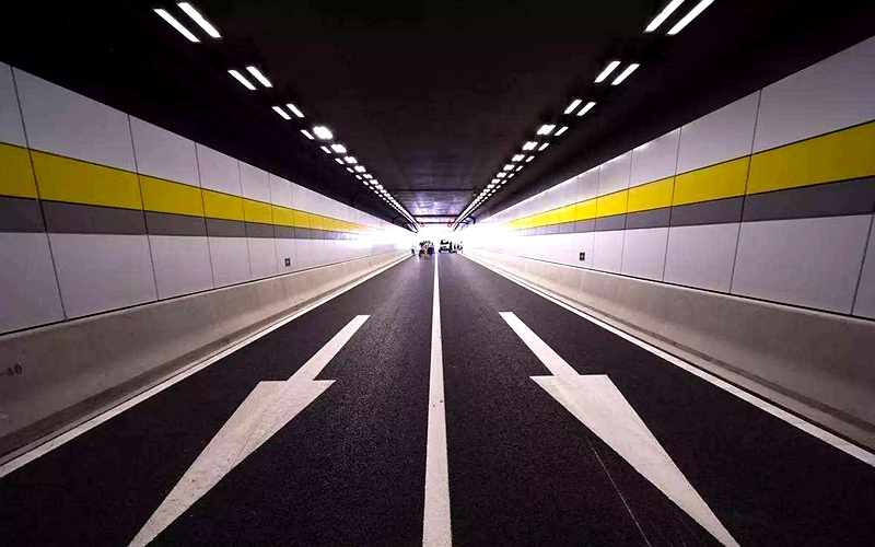 """智慧交通的未来:每辆车都能与路""""对话"""""""