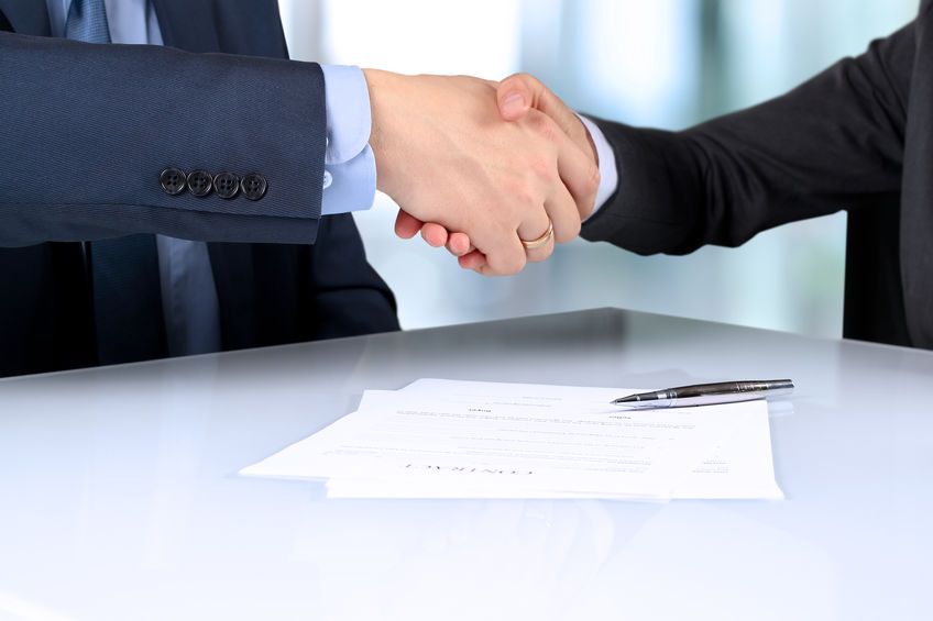 鸿路钢构:签订暂估价1.7亿元的总承包合同