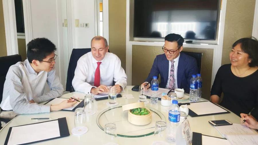 富时罗素CEO:中国证券市场5至10年内会新流入2.5万亿美元
