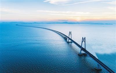 港珠澳大桥开展首次三地联合试运行