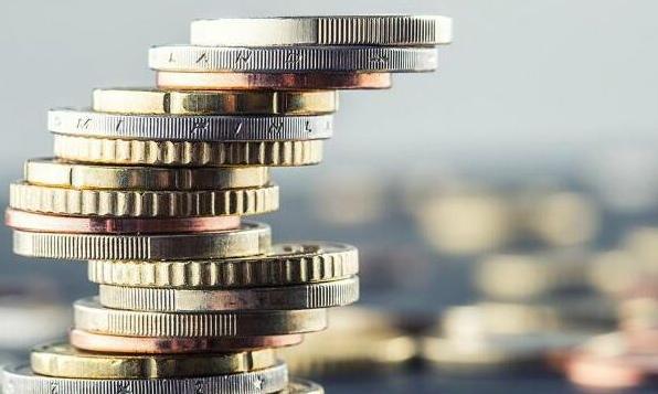 公募基金这三年有人猛赚146% 有人亏超60%