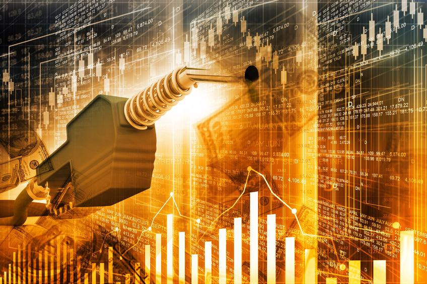 11日国内期市日间盘燃油及原油期货收跌超3%