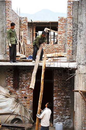 Bonds to help shantytown bid