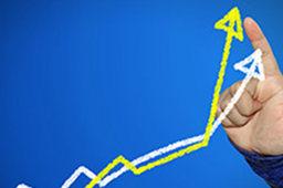 一行两会齐发声提振市场信心 三大股指全线翻红 创业板指大涨近2%
