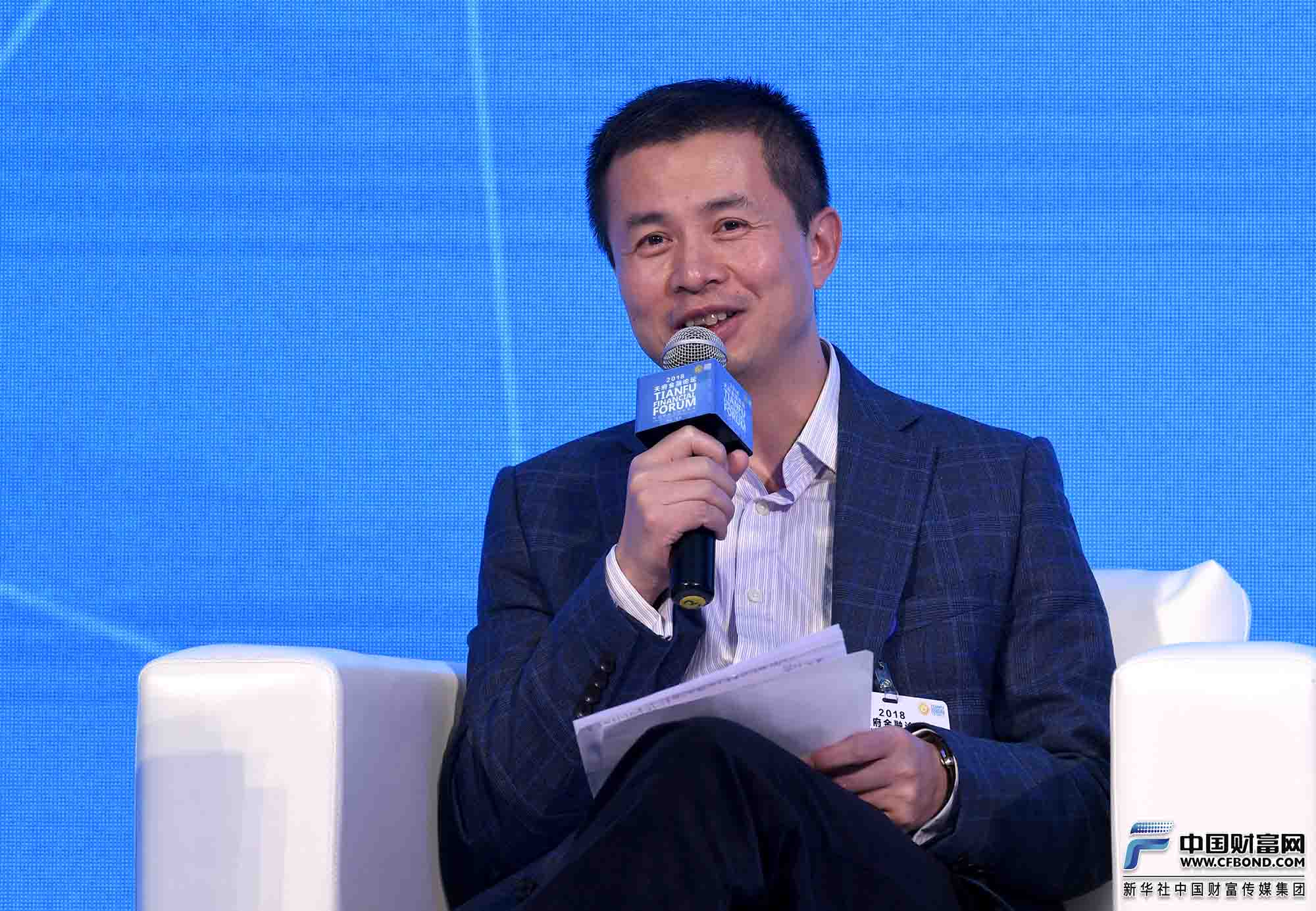 研讨嘉宾: 中国人民银行成都分行副行长方昕