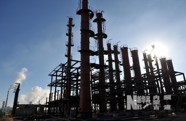 甲醇主力合约跌停 黑色系期货表现分化