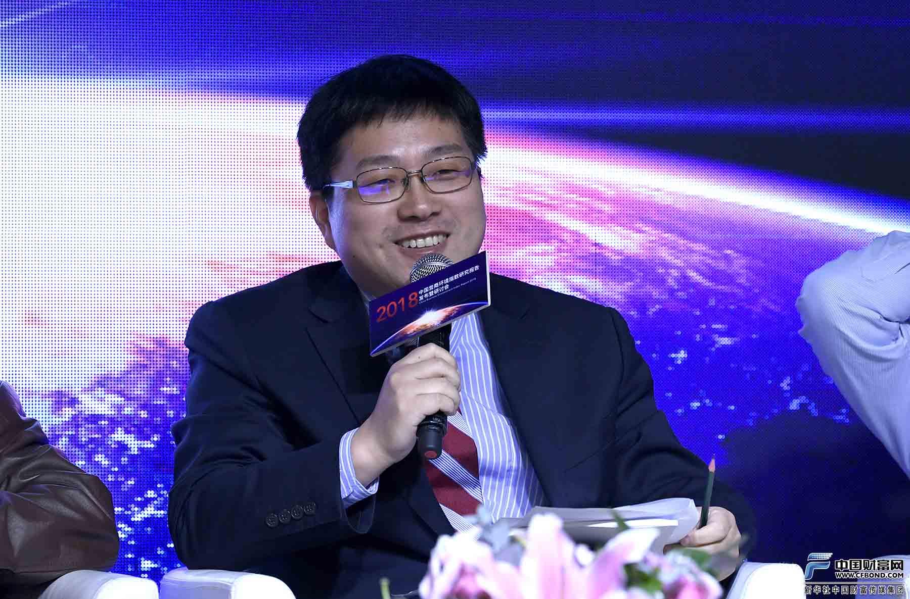 北京大学新结构经济学研究院副院长王勇