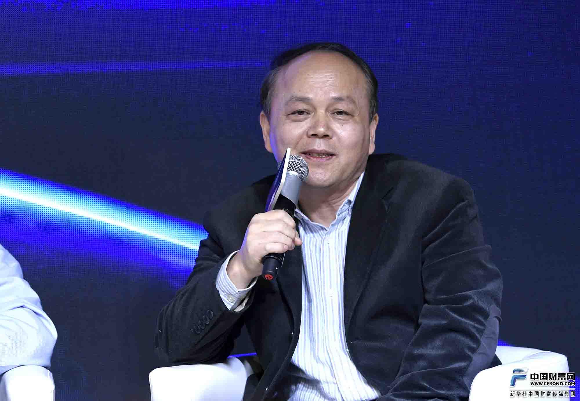 中国社会科学院工业经济研究所区域经济研究室主任、中国区域经济学会秘书长陈耀