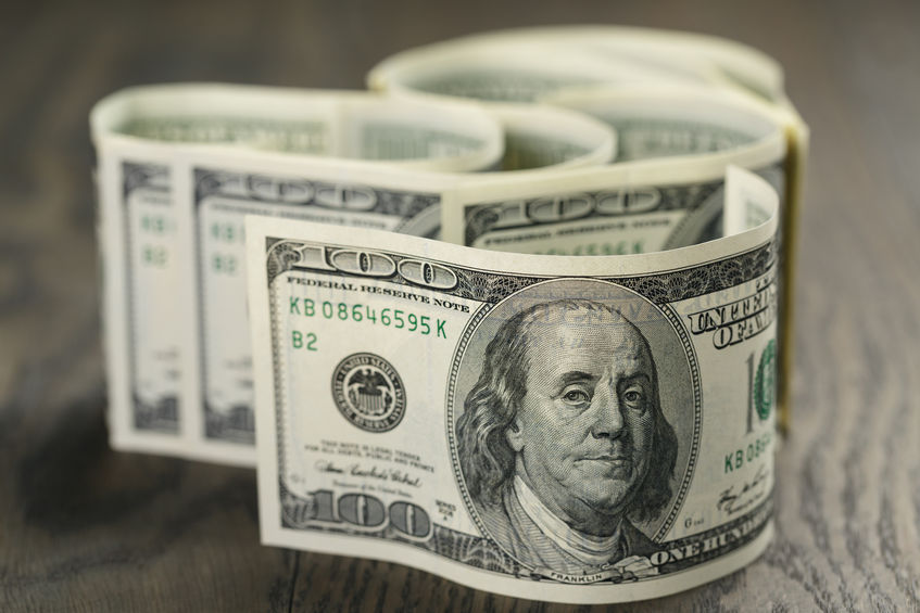 美元跌0.25% 仍维持17个月最高水平