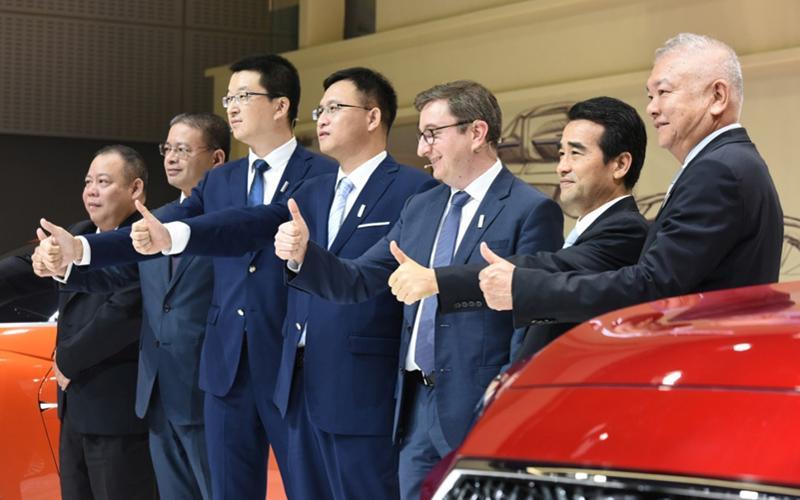 深耕SUV细分市场 WEY品牌携多款新车亮相车展