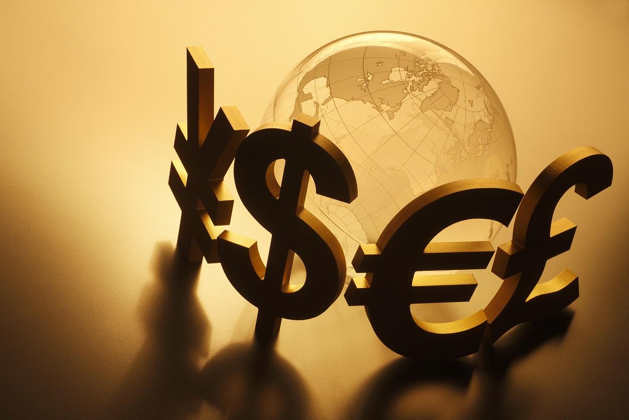 姜建清:世界经济不平衡持续演化 为金融危机埋下种子
