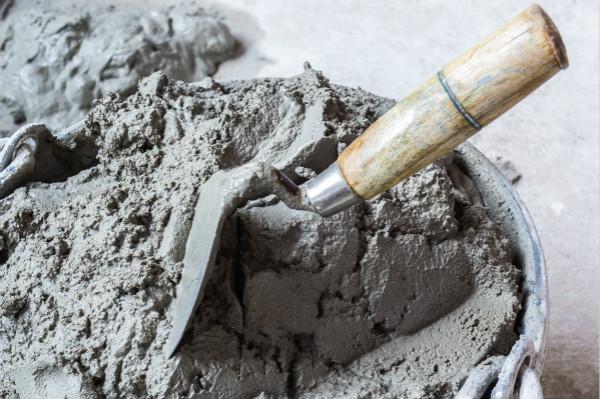 水泥行業高景氣 估值水平料提升