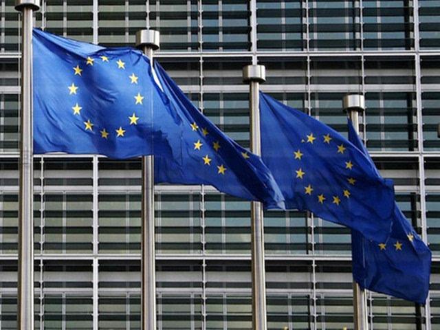 欧盟通过英国脱欧协议草案英欧分手迈出关键一步