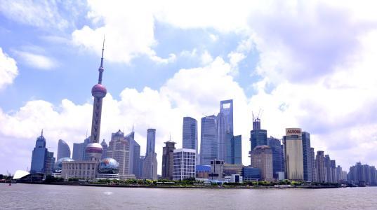 应勇:上海要大力发展先进制造业和战略性新兴产业