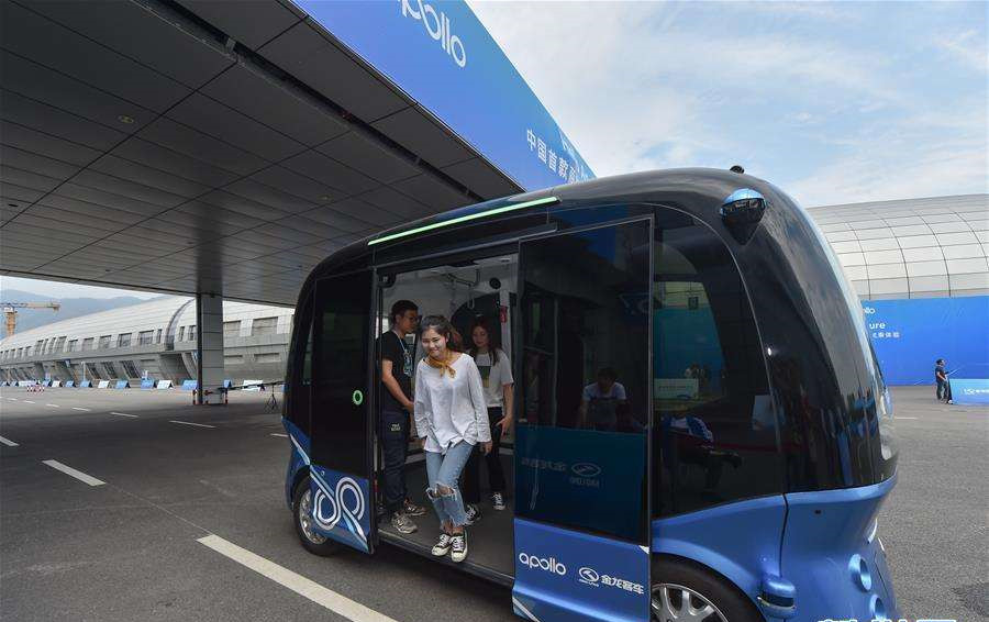 China's local authorities make rules for road tests of unmanned driving