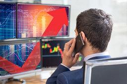 """上市公司扎堆买证券 A股""""抄底""""时刻到了?"""