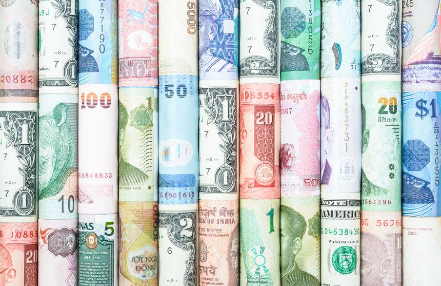 2018年末中国外汇储备30727.12亿美元