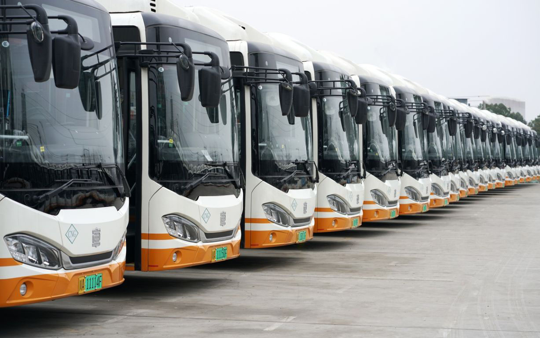 上海新投入使用的公交车将全部采用新能源汽车
