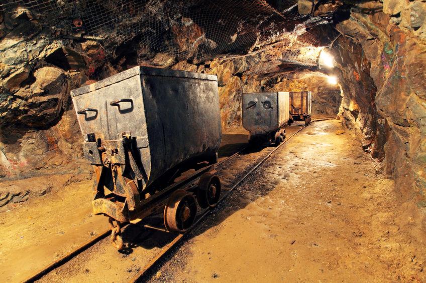 家里有矿就是这么任性!和铁矿石沾边的今天都涨了