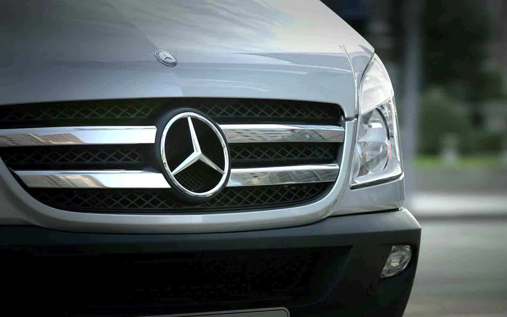 北京奔驰汽车有限公司召回部分C级、GLC SUV汽车