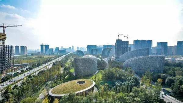 会期每天近600名志愿者!北京世园会志愿者首次上岗服务