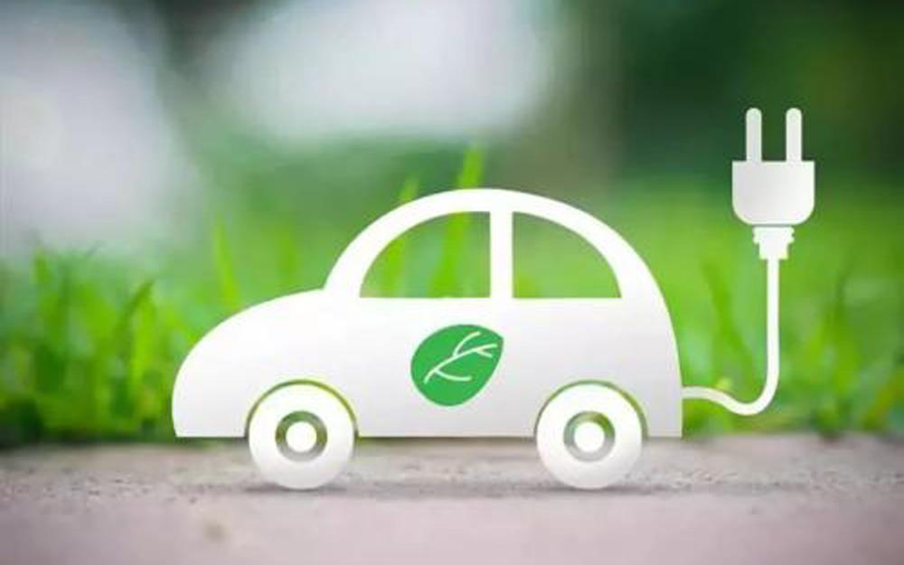 """新能源汽车发展需解决""""芯""""问题"""