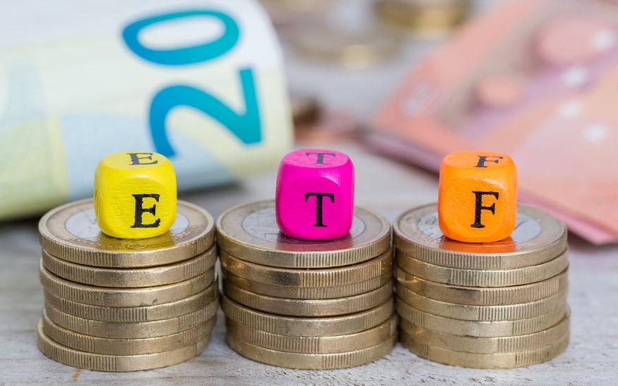 逆市买入 逾48亿资金抄底ETF 基金企业加紧布局