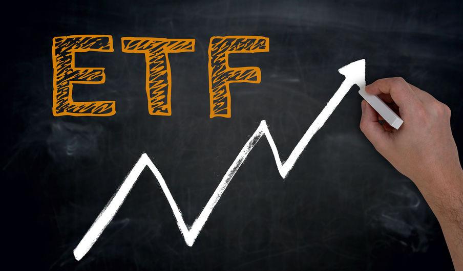 不惧股指短期下行 135亿元资金逆市加仓ETF